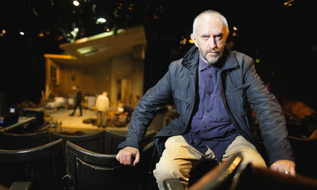 Jonathan-Pryce-at-the-Eve-001