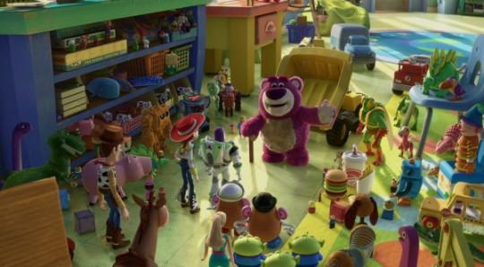 http://liveforfilms.files.wordpress.com/2010/02/toy_story_3_movie_image_high_resolution_pixar-5-600x332.jpg?w=540&h=299