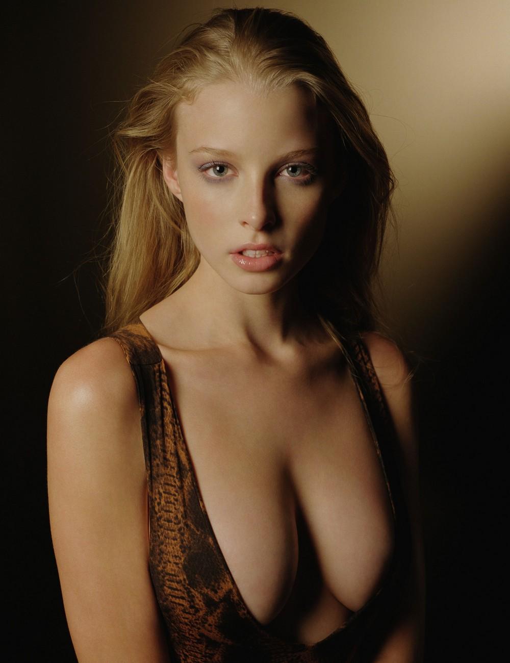 Barbarian women topless xxx clip